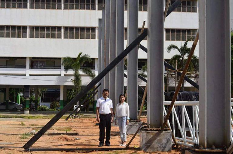 การก่อสร้างโดมโรงเรียนสตึก